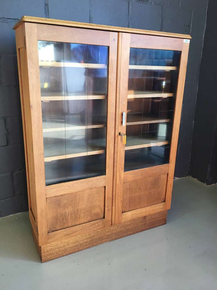 Phenomenal Glass Cabinet Classified Ads In Home Garden Tools Olx Complete Home Design Collection Papxelindsey Bellcom