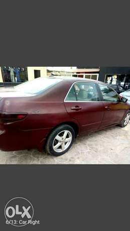 SUPER Clean  Honda Accord EX i-VTEC 2.0 2004 Ikeja - image 7
