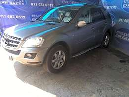 2009 Mercedes-Benz ML 350 CDI 4Matic Blue Efficiency R219,900.00 Ref()