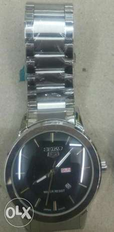 Seiko 5 gents watches in gold and silver bracelet,at 4500ksh. Nairobi CBD - image 6