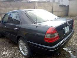 Mercedes Benz C200 _ Super clean as Tokunbo