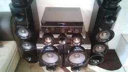 Samsung 5.2 3D surround sound system Home Theater