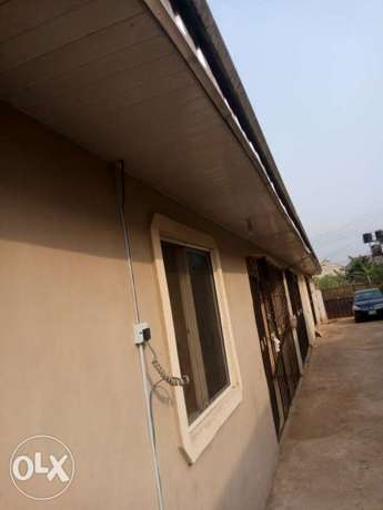 3 flat of 2 bedroom each on a 50/100 at ADP quarter off airport . Benin City - image 6