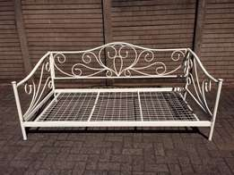 steel frame beds