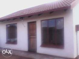 house to let Soweto Mndeni Link