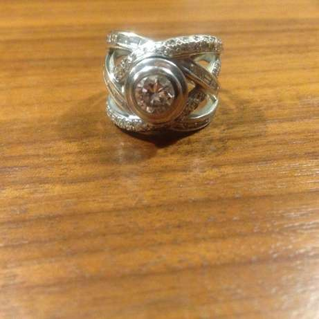 Ideal Engagement / Wedding Ring Diamond .94ct at cost Pentagonpark - image 1