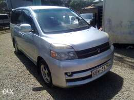Toyota VOXY, original paint, lady driven