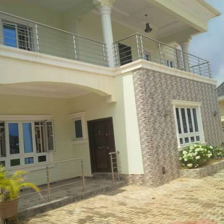 brand new 4bedroom duplex with swimming pool Kaura - image 2