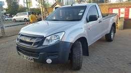 Isuzu dmax highrider 2014 model 2500cc diesel in good condition