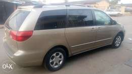 Toyota Sienna 2004 leather