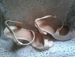 Cream party sandal