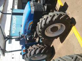 Brand new newholland tt75 4wd,tractors for sale.