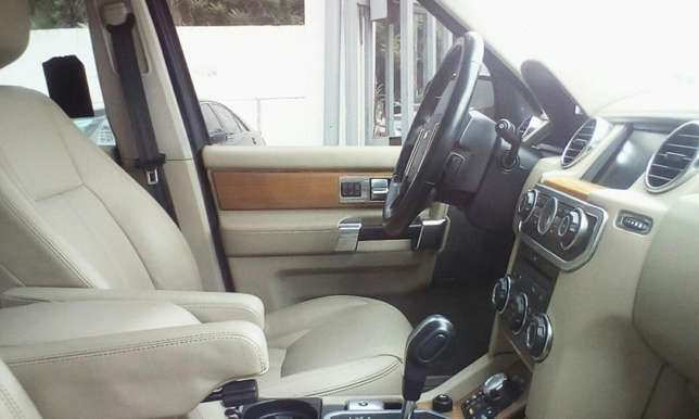 2011 Landrover LR4 Up For Grabs!!! Lagos Mainland - image 5