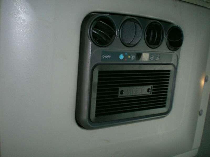 Mercedes-Benz 822 Atego Standklima - 2011 - image 12
