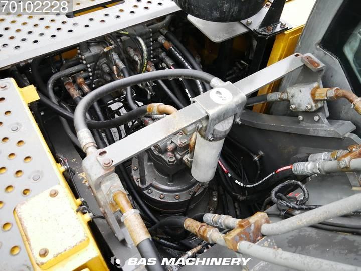 Volvo EC240C L Low hours - 2012 - image 11
