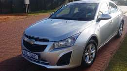 2013 chevrolet cruze 1.6 LS Sedan; For sale by owner