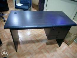 Q-W Smart Office Table (New)