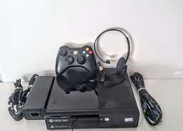 Xbox 360 320GB Super Slim , Great Condition!