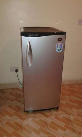 LG fridge with large freezer Kilimani - image 1