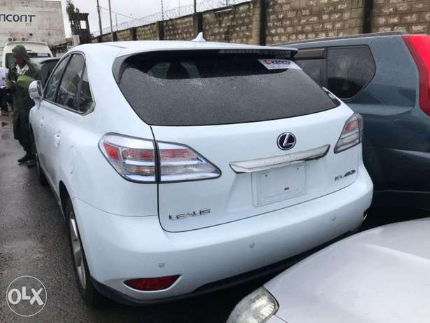 2010 model of Pale white Lexus rx450h KCP number Mombasa Island - image 1