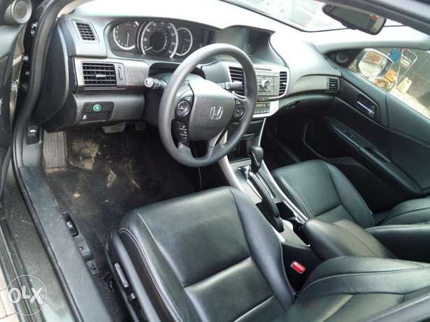 Honda accord,first body,tolks,Lagos cleared,buy and drive, 2015 model. Lagos - image 4
