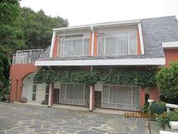 Large private secure townhouse in Lynnwood near university ( OWNER )