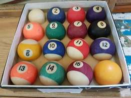Billiard Ball Set J 829