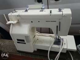 singer sewing machine(electric)