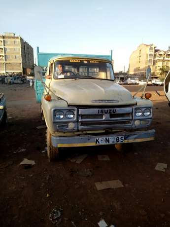 Lorry on quick sale Kahawa West/Njua - image 1