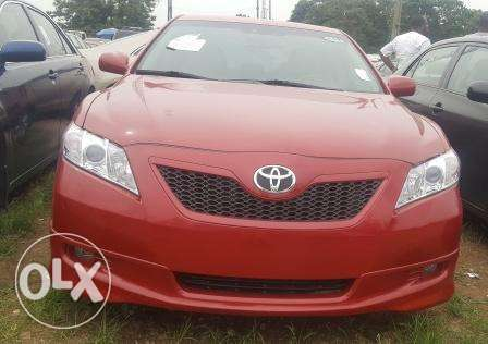 Toyota Camry 2009. Very Clean Leather Interior. 4 cylinders Ibadan South West - image 2