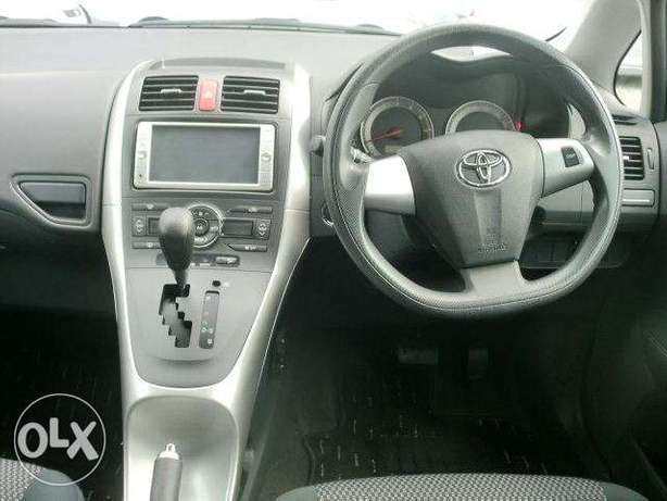 Toyota Auris metallic blue colour 2010 model excellent condition Kilimani - image 3