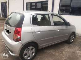Very clean Kia Picanto 2011 for sale.