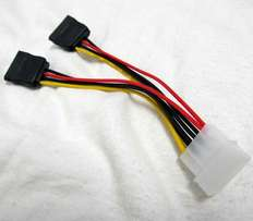 4-Pin Molex IDE Male to 15-Pin SATA Female Converter PC Cable