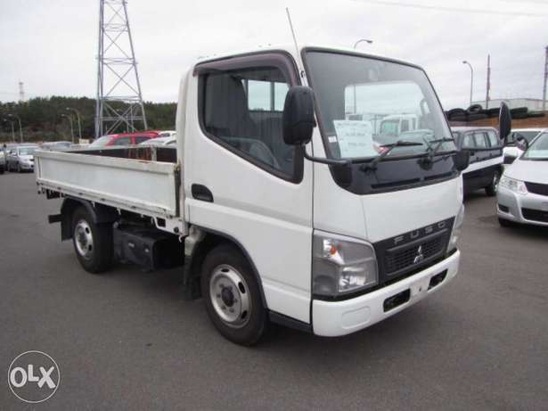 Mitsubishi Canter 2010 Truck/ Lorry Hurlingham - image 1