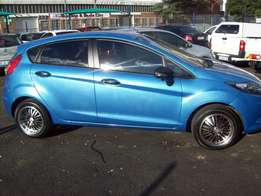 Ford fiesta 1,5 Model 2010,5 Doors factory A/C And C/D Player