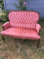 Incredible vintage button back Queen Anne Sofa in solid condition