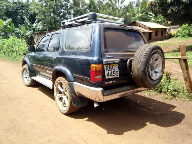 Seling of a car Garissa Town - image 5