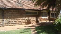 Commercial Townhouse to let in Kilimani