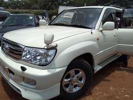 A Land cruiser vx, 2004model on sale
