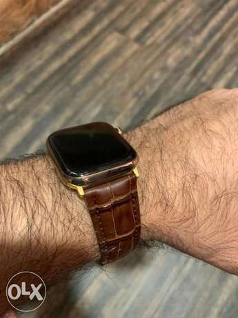 Apple watch leather brown band (ليس الساعه))