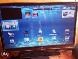 32 inches Samsung smart TV for a grab (UA32EH4500)