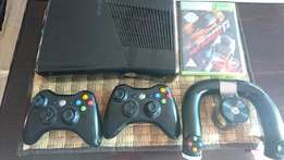 X BOX Live Bargain! Console with 250 Gb 2 controllers, steering, game!
