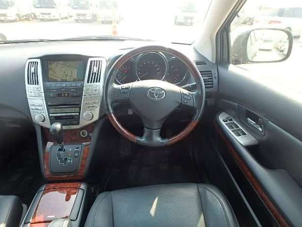 Toyota Harrier, KCN,leather seats City Centre - image 5
