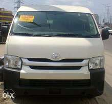 Awoof Sales!!! Toyota Hiace Hummer Bus 2010 Model