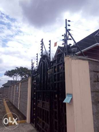 Solar water heater, smart door phone, electric fence and and Cctv Nairobi CBD - image 6