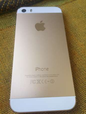 iPhone 5s gold 32gb second hand (for sale) Majengo - image 3