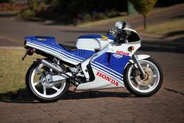 Honda NSR250 MC18 PGM1 engine breaking for spares.