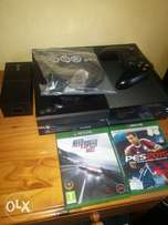 XBOX1 Console+Gaming Controller* Everything you see for this price.