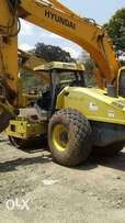 Compacter 28 Ton For Hire .Bucket Capacity 7 Ton.