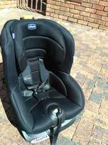 Chicco Oasys 1 Isofix car chair available